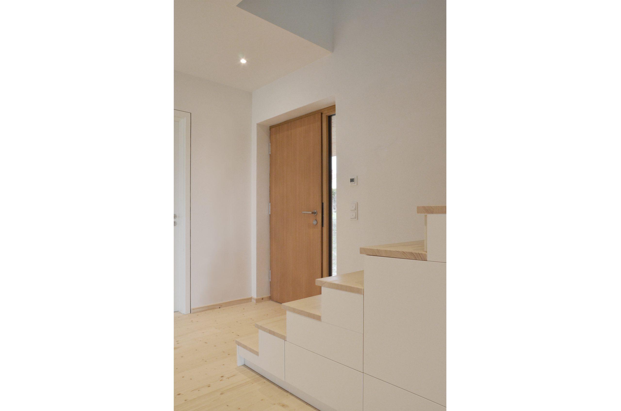 jacob-mayer-voigt-architekt-interior-design-architektur-holzhaus-design-treppe-minimalismus