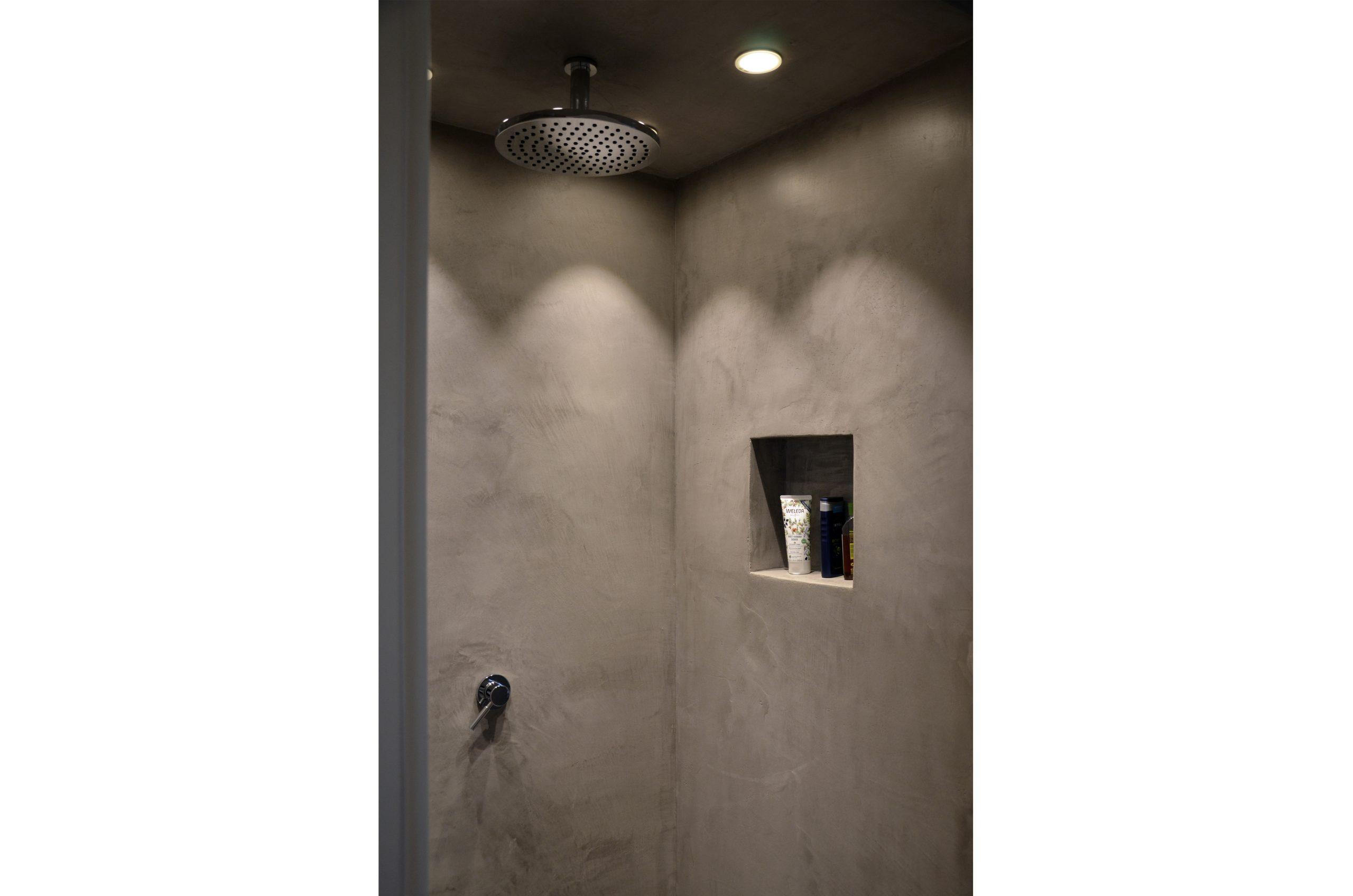 jacob-mayer-voigt-architekt-interior-design-architektur-holzhaus-design-minimalismus-dusche